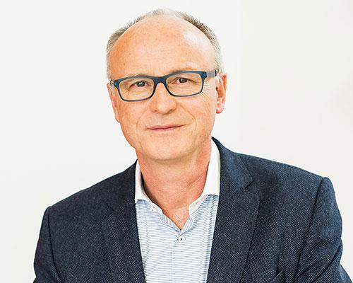 Herr Dr. med. Dieter Claus